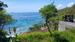 ostrov-bali-port-padangbai-golubaja-laguna
