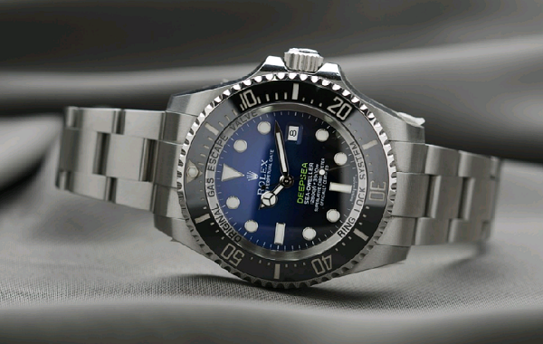 Швейцарские наручные мужские часы