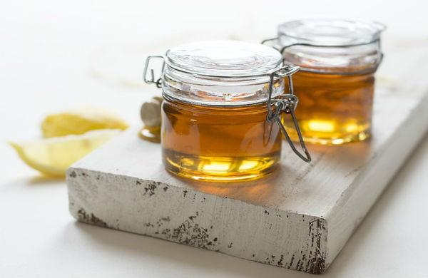 Бывает ли пенка при наливании натурального меда