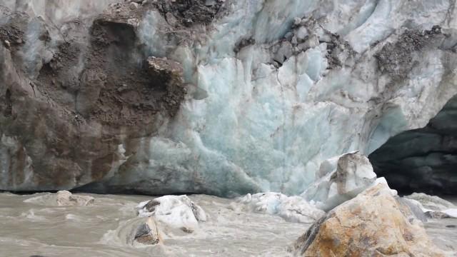 Гамук. Ледник. Исток Ганга.