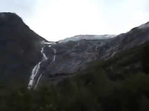 Норвегия. Ледник Бриксдальсбреен (Briksdalsbreen)... Всё ближе подходим к нему... 17.08.2009, 17:56