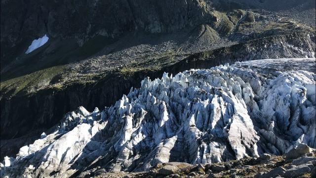 Приключения во Франции и Швейцарии - Шамони - Забег официантов, ледник и дамба (3 и 4 сентября)